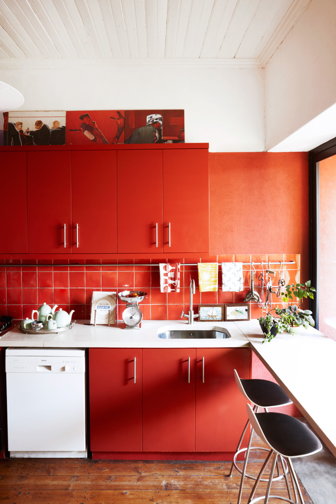 When they set out to design the space, Ilze and Heinrich were aiming for a relevant and contemporary style that accommodates living. There are no painfully clean lines that would look terrible if things aren't perfectly neat.