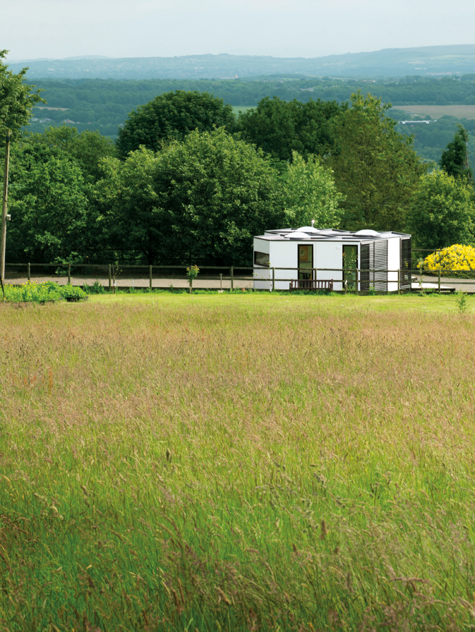 George Clarke's Amazing Spaces: The Hivehaus