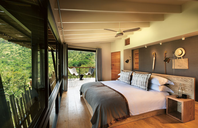 The modern suites were designed to be serene sanctuaries where visitors can relax. The colour palette is kept neutral, punctuated by textured wood.