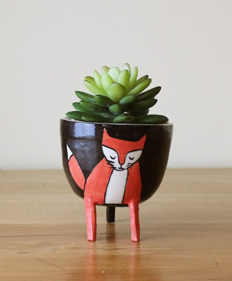 Black and Red Fox Planter