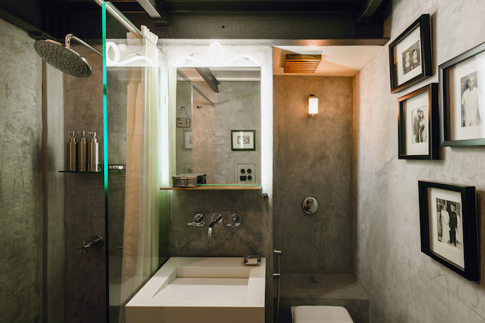 bathroom-and-shower-image-credit-abode-bombay-hotel