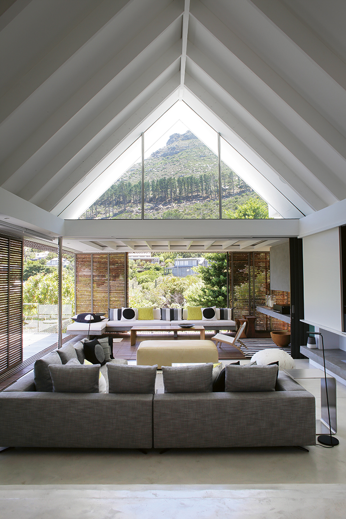 Contemporary Hout Bay Home on Indoor Outdoor Entertaining Areas id=31720