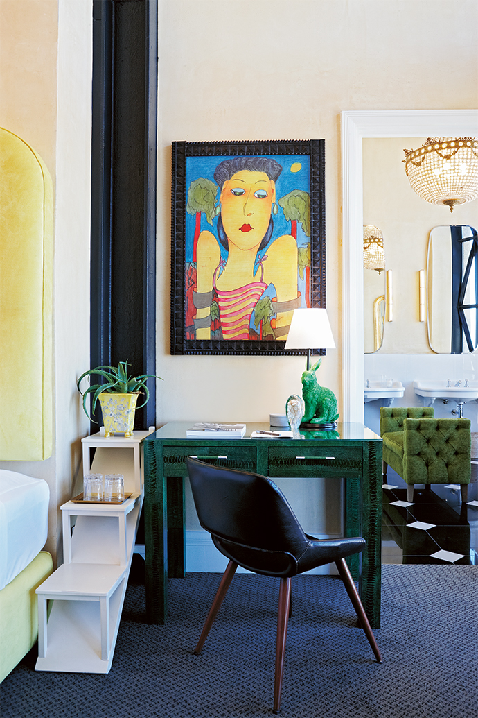 A painting by Ralph Krall, a dear friend of Liz's who lent a hand with the interior design, hangs in one of the 47 m2 luxury rooms.