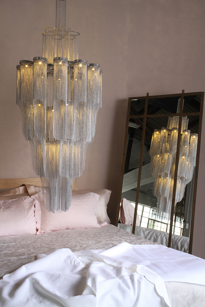 Bedding – The Hall Collection. Mirror – The Gatehouse at Mavromac.
