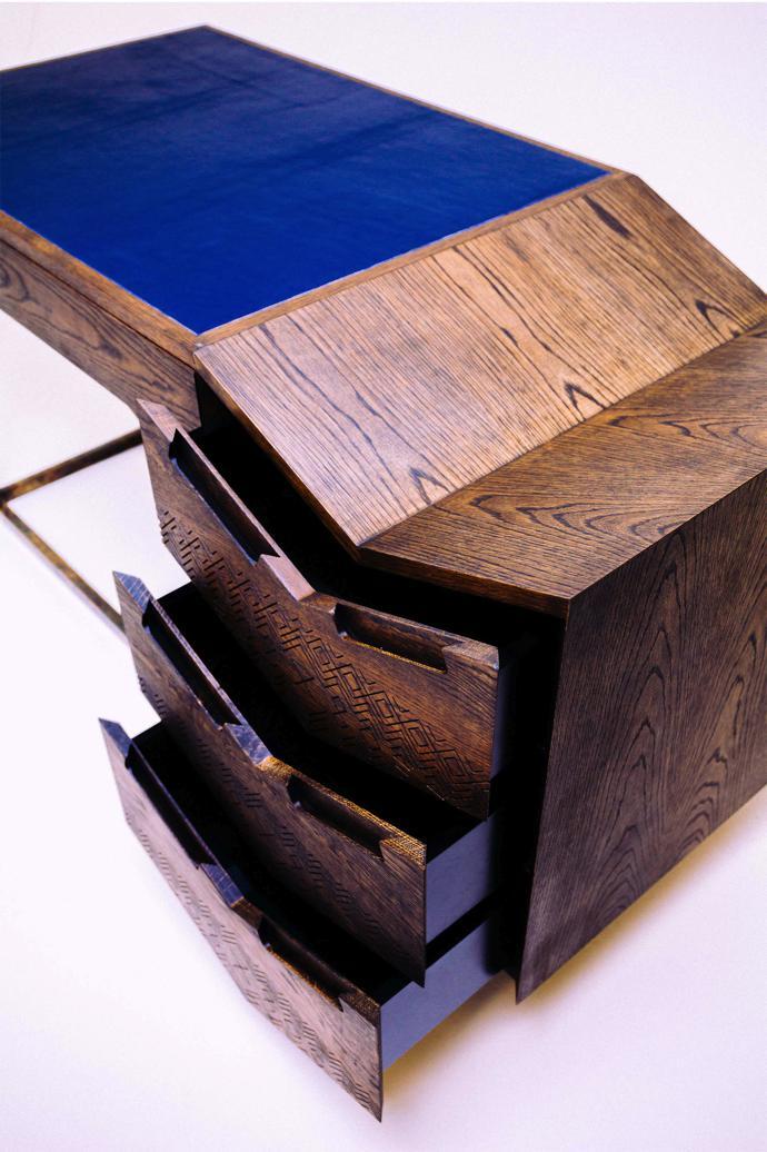Mvelo Desk. Image credit: Michelle Reynolds