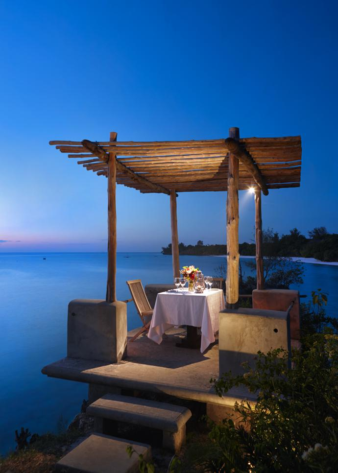 The private outside dining area of the Presidential Villa.