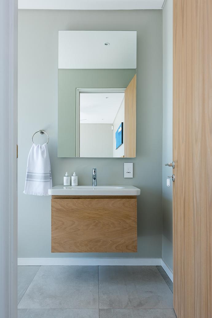 romans villa - guest cottage bathroom #2-2