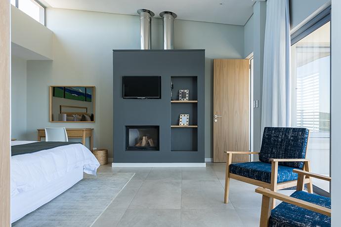 romans villa - master bedroom #2-2