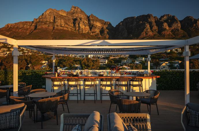 The Baptiste Rooftop bar beneath the Twelve Apostles.