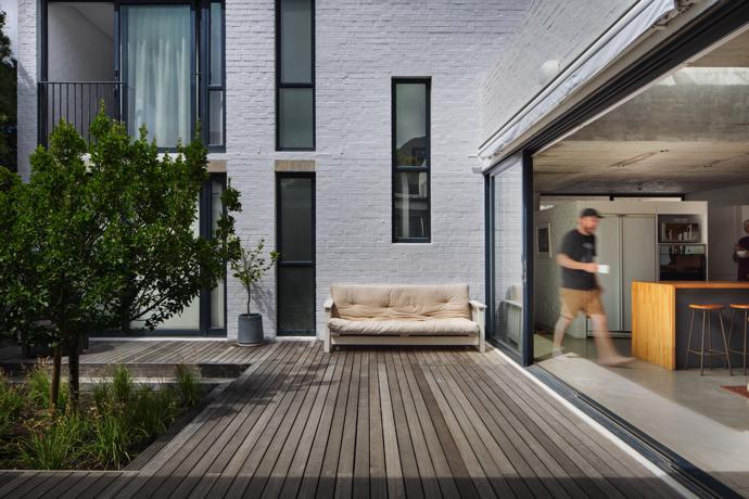 Kleinmond retreat designed by Swansilva Architecture