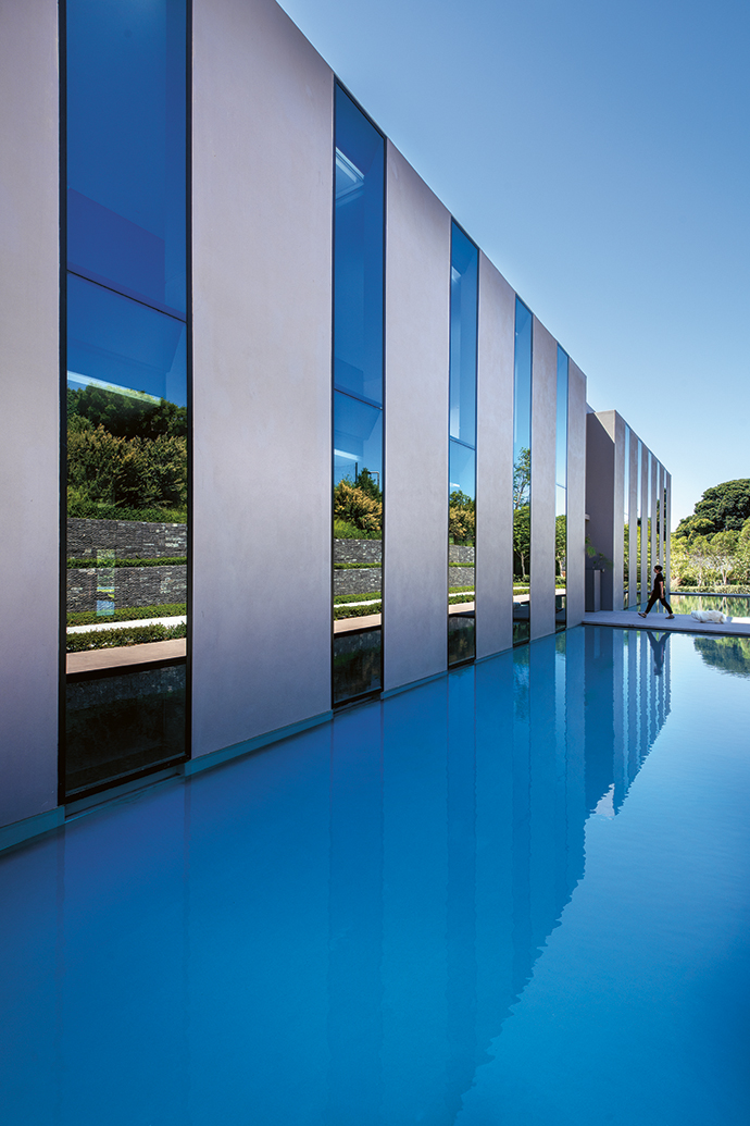 From the start, architect Luis F Mira's design inspiration for the project was the use of reflective elements in solid, transparent or fluid form, from mountain views to water and light.