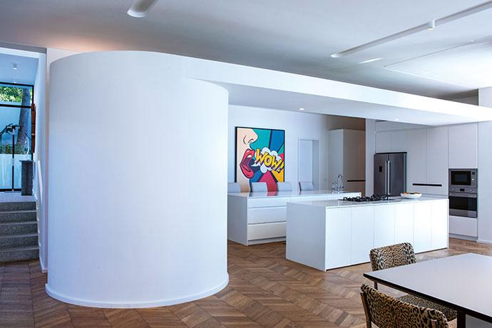 Bauhaus-inspired Fresnaye Family Home