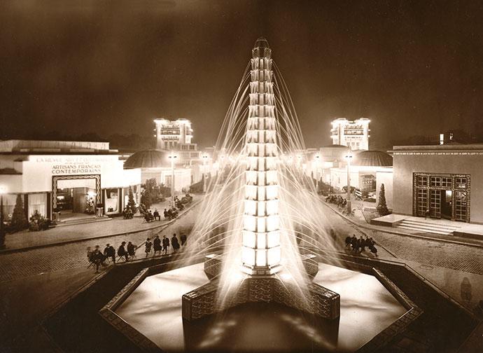 René Lalique's illuminated crystal fountain at the 1925 Exposition Internationale des Arts Décoratifs et Industriels Modernes.