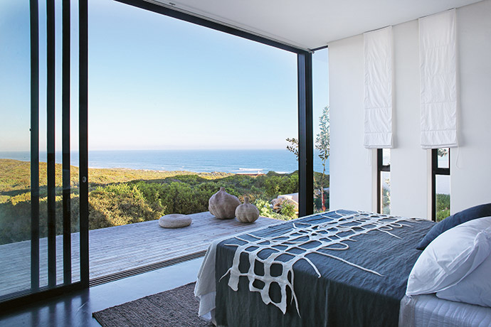 Home Concept's primary focus when planning the architecture is to frame the views perfectly.