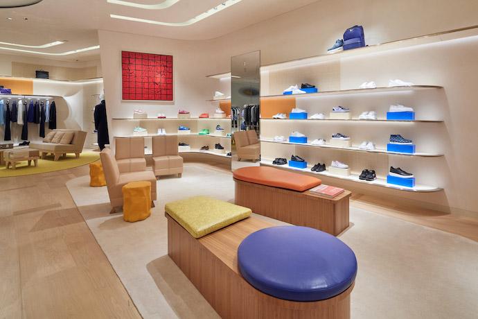 louis-vuitton-store-ginza-jun-aoki-peter-marino-architetcure_dezeen_2364_col_6