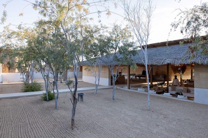 el-perdido-hotel-estudio-ala-mexico-architecture_dezeen_2364_col_0